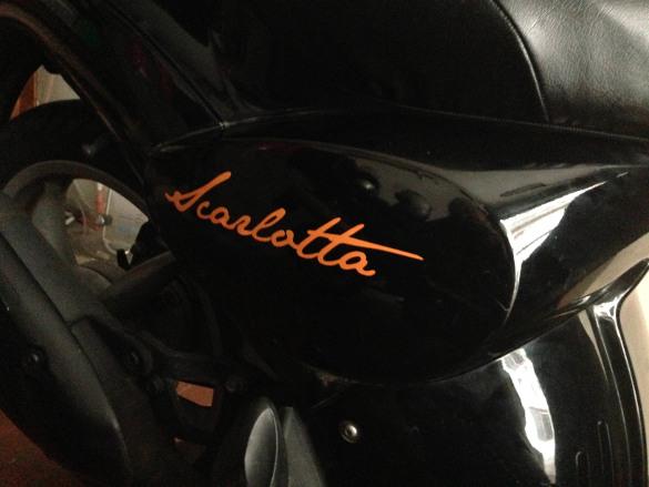 Scritta cromata Harley