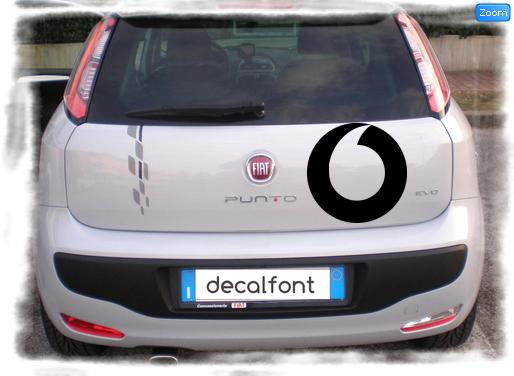 L'effetto dell'adesivo Vodafone 4 su una Fiat Punto