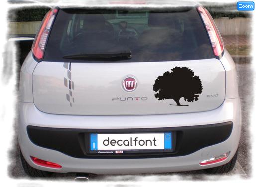 L'effetto dell'adesivo Albero quercia su una Fiat Punto
