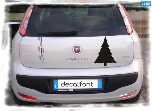 L'effetto dell'adesivo albero-pino su una Fiat Punto