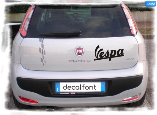L'effetto dell'adesivo sticker-vespa su una Fiat Punto